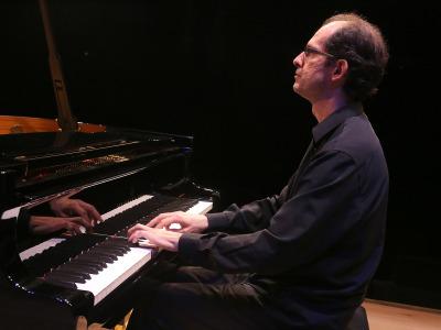 Miquel Villalba. París 1905. Viñes, una historia del piano. De cabezón a Haydn