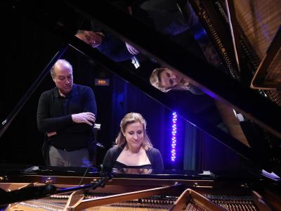 Cristina Lucio-Villegas y Polo Vallejo. De raíz popular: inspirados por el folclore, para piano y narrador - Conciertos en familia (2015)