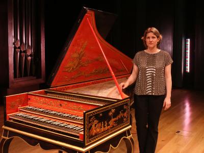 Céline Frisch. Suites de Bach