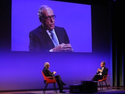 Luis Fernández-Vega en diálogo con Antonio San José