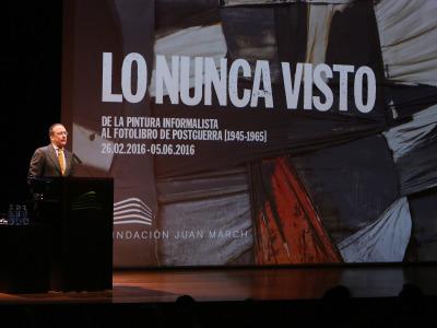 Manuel Fontán del Junco. LO NUNCA VISTO. De la pintura informalista al fotolibro de postguerra (1945-1965)