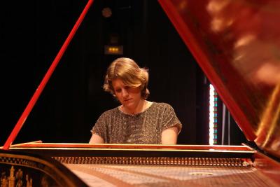 Céline Frisch. Suite de Bach