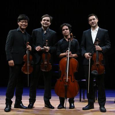 Jay Campbell, Francisco García Fullana, Daniel Kim y Siwoo Kim. En la oscuridad - Serenidad: músicas para meditar
