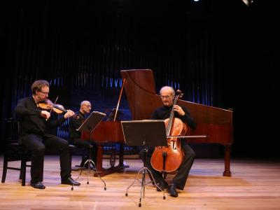 Daniel Sepec, Andreas Staier y Roel Dieltiens. Beethoven y Schubert al fortepiano