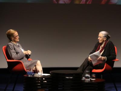 María Victoria Atencia y Clara Janés. María Victoria Atencia en diálogo con Clara Janés - María Victoria Atencia