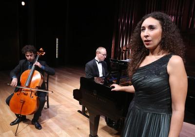 Oleguer Aymaní Busqué, Nejc Lavrencic y Cristina Segura. Recital de canto, violonchelo y piano