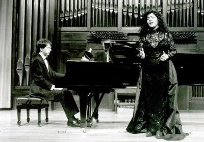 Soraya Chaves y Xavier Pares. Recital de canto y piano