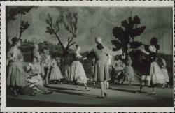 """Fotografía de """"María Manuela"""" de Guillermo y Rafael Fernández-Shaw, música de Federico Moreno Torroba."""