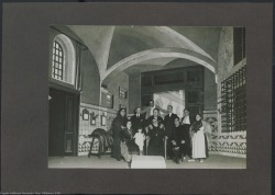 """Fotografía de """"La sombra del Pilar"""" de Federico Romero y Guillermo Fernández-Shaw, música de Jacinto Guerrero : Teatro Nuevo (Barcelona)."""