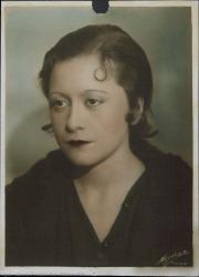 Fotografía de mujer sin identificar.