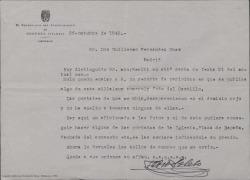 Cartas del secretario del Ayuntamiento de Oropesa, en Toledo, a Guillermo Fernández-Shaw, sobre unas fotografías que éste solicita para una publicación.