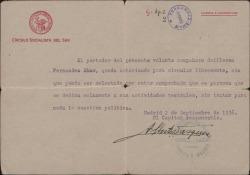 Volante firmado por Alberto Vázquez, con membrete del Partido Socialista, autorizando a Guillermo Fernández-Shaw para circular libremente, por no dedicarse a la política.