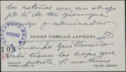 Tarjeta de visita de Xavier Cabello Lapiedra a Guillermo Fernández-Shaw, enviando unas hojas y saludando a la familia.