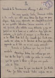 Carta de Sor María de la Crucifixión a Cecilia Iturralde, madre de Guillermo Fernández-Shaw, comentando noticias que ésta le da sobre personas de la familia.