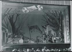 """Fotografía de """"Doña Francisquita"""" de Federico Romero y Guillermo Fernández-Shaw, música de Amadeo Vives. (La Habana)."""